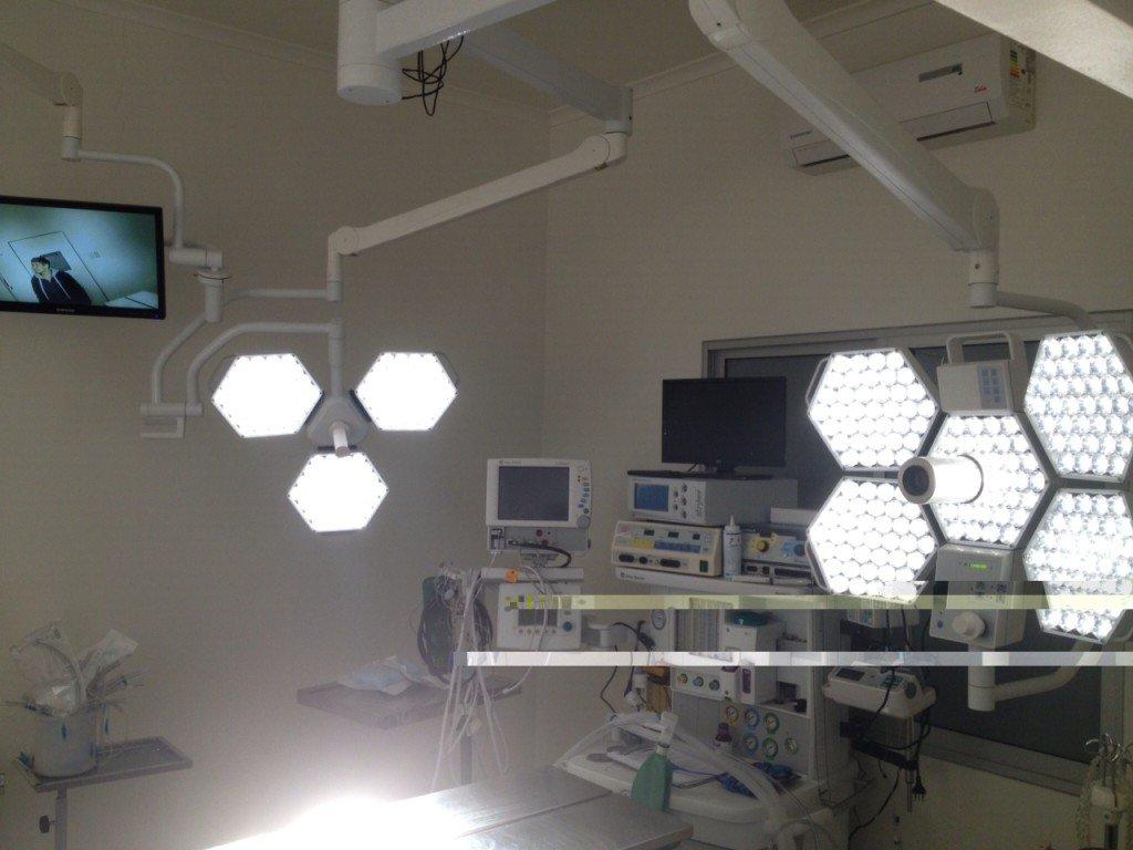 Luz con Sistema de Cámara y Torre de Grabado & Videograbador